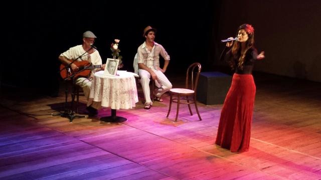 Rossana Russia canta Vinicius.