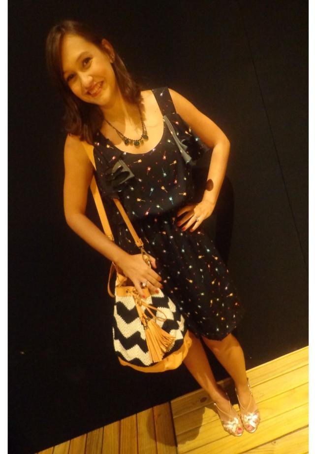 Vestido Lis chic, bolsa e colar Maria Filó, Sandália Renner, maquiagem Make B.